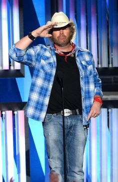 What Happened to Toby Keith - 2018 News and Updates - Musik Best Country Music, Country Music Artists, Country Singers, Blues Music, Pop Music, Outlaw Country, Angeles, Music Tours, Blake Shelton