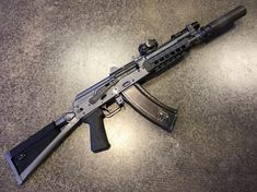 Military Blog / Weapons / Guns / Gunblr / Assault Rifles / Shotguns / Pistols / Revolvers / Sniper Rifles / Firearms Pictures Wallpapers - WeaponsLover Tumblr.