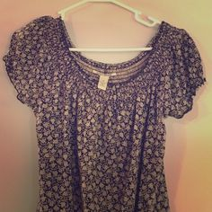 Lucky brand blouse size XS Lucky brand blouse size XS. Pretty floral pattern. Scrunch bottom and sleeves. Barely worn. Lucky Brand Tops Blouses