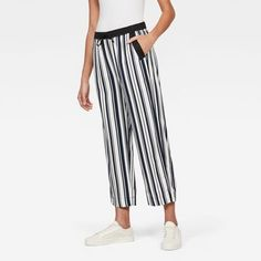 now on eboutic.ch - blue and white pants chino for woman White Pants, Striped Pants, Blue Jeans, Denim Jeans, G Star Raw, Blue And White, Woman, Shorts, Jackets