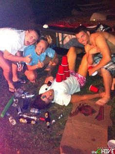 University of Michigan - The Total Frat Move Archive High School Parties, Teenage Parties, Frat Parties, College Parties, Teen Drinks, Total Frat Move, Teen Life, Partying Hard, Party Pictures