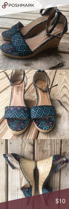 Aztec Sandal Wedges✨ Excellent used condition! Runs a little big. More like a size 8. ***please note difference on the front strap of shoe. Twisted Shoes Wedges