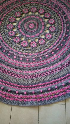 "Queen Mandala CAL 2016, MoYa 100% organic yarn is used and can be purchased at www.mandalaqueen.org - The pattern is FREE and can be found on the FACEBOOK GROUP: ""Crochet/Hekel Mandala CAL 2016"" Come and join the more than 13,000 members worldwide. By Annamarie Esterhuizen. The pattern may also be found at: http://mandalaqueen.org/download-patterns/"