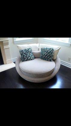 Round lounge. Circle lounge. White lounge