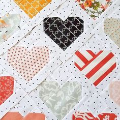 I'll add more color. This quilt top is flying by the seat of my pants and I ❤🖤❤ it! Girls Quilts, Baby Quilts, Heart Quilts, Valentines Day Hearts, Valentine Day Crafts, Valentine Ideas, Diy Craft Projects, Tips & Tricks, Traditional Quilts