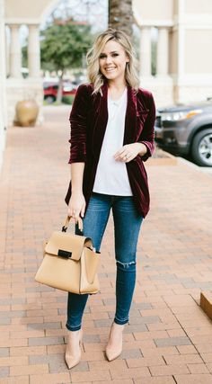 Velvet Blazer Casual chic outfit Street Style outfit Uptown with Elly Brown Preppy Winter Outfits, Casual Chic Outfits, Street Style Outfits, Cute Fall Outfits, Casual Chic Style, Look Chic, Cool Outfits, Blazer Outfits Fall, Summer Outfits