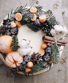 78 Classic Christmas Cake Decorating Ideas - Chicbetter Inspiration for Modern Women - 78 Classic Christmas Cake Decorating Ideas – chic better - Christmas Cake Decorations, Christmas Desserts, Christmas Baking, Wedding Decorations, Christmas Cake Topper, Winter Cupcakes, Mini Cupcakes, Pretty Cakes, Beautiful Cakes