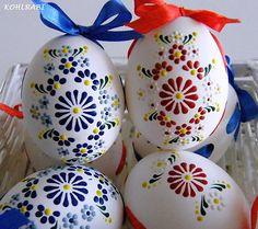 s mašlí, aby se našly. Egg Crafts, Easter Crafts, Diy And Crafts, Easter Egg Designs, Homemade Art, Easter Traditions, Egg Art, Easter Holidays, Egg Decorating