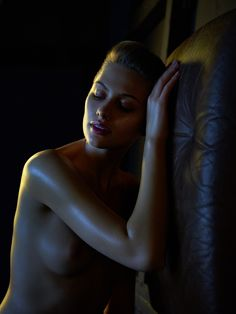 the_art_of_nude_photography_andreas_h_bitesnich_color_contrast_set_8314_0.jpg 600×800 pikseli