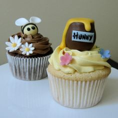Pooh's Honey Jar & Bumble Bee by J's Sweets, via Flickr