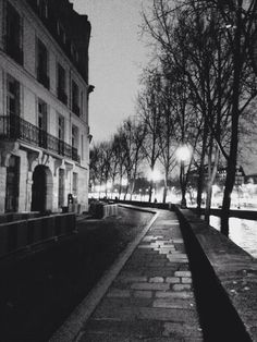 Ile Saint Louis by Paula Gladders