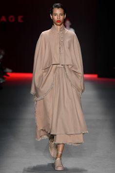 NERIAGE Streetwear, Ideias Fashion, Louis Vuitton, Coat, How To Wear, Jackets, Dresses, Style, Cat Walk