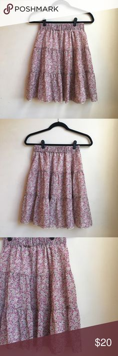 Uniqlo Floral Elastic Waist Skirt Uniqlo floral skirt with elastic waist. Skirt is fully lined. Worn only once and is in excellent like new condition. Please refer to all photos. Uniqlo Skirts