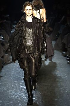 Ann Demeulemeester Fall 2004 Ready-to-Wear Collection Photos - Vogue