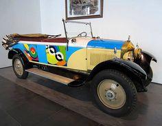 Unic car, designed by Sonia Delaunay (1920):
