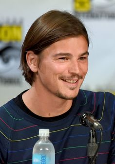 Pin for Later: 28 Reasons Why Comic-Con Is Basically a Hot Guy Parade Josh Hartnett Josh Hartnett provided yet another necessary reminder of his hotness while chatting about Showtime's Penny Dreadful.