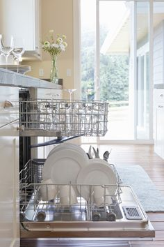 The correct way to load the dishwasher
