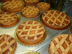 Ricetta Professionale Pastiera Napoletana Happy Foods, Waffles, Good Food, Food And Drink, Make It Yourself, Cooking, Breakfast, Desserts, Cakes