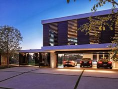 World of #Architecture: Perfect #Modern #Mansion in Beverly Hills | #worldofarchi #house #home #villa #BeverlyHills #garage