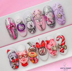 Nail art is a very popular trend these days and every woman you meet seems to have beautiful nails. It used to be that women would just go get a manicure or pedicure to get their nails trimmed and shaped with just a few coats of plain nail polish. Nail Art Noel, Xmas Nails, Winter Nail Art, Christmas Nail Art, Holiday Nails, Winter Nails, Best Nail Art Designs, Toe Nail Designs, Beautiful Nail Designs