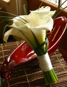 bridal bouquet, wedding florist, bridal calla, small wedding, wedding flowers, wedding callas, simple wedding flowers, small bridal bouquet, groom boutonniere, wedding ideas, atlanta florists, wedding florists, wedding, elegant wedding flowers, bridal