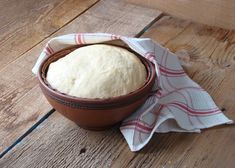 Fried bread dough is the basis for a variety of recipes and confections, including Navajo tacos and some fritters. The frying process makes the dough crispy and brown on the outside while retaining a soft center. Fried Dough Recipes, Fried Bread Recipe, Bread Dough Recipe, Donut Recipes, Banana Bread Recipes, Sweets Recipes, Frozen Biscuits, Frozen Bread Dough, Navajo Tacos