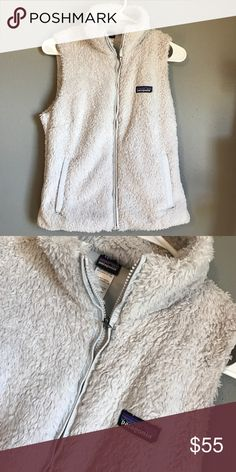 Patagonia Los Gatos vest Great condition! Super soft and warm feel free to make a reasonable offer😊 no flaws! Patagonia Jackets & Coats Vests