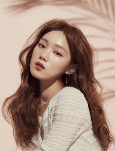 Lee Sung-kyung courted for tvN fantasy romance About Time Lee Sung Kyung Profile, Lee Sung Kyung Height, Lee Sung Kyung Photoshoot, Korean Photoshoot, Lee Sung Kyung Wallpaper, Weighlifting Fairy Kim Bok Joo, Sung Hyun, Nam Joo Hyuk Lee Sung Kyung, Korean Actresses