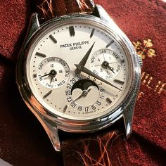 One of my all time #favorites - the #famous #patekphilippe Ref. #3940 in #platinum - I do not know a #complicated #watch with more #understatement than this one! Prices are still quite reasonable, so you should go and get one #investment #collectable #watchporn #patek #patekgallery #patekwatch #vintagepatek #vintagelove #vintage #vintagestyle #vintagefashion #perpetual #calendar #womw #watchesofinstagram #watchoftheday #wotd #watchnerd #luxury #luxurybrand #hodinkee #luxurylife