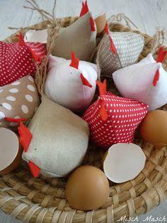 Misch Masch by Simona: Velikonoční šití - slepičky Presents, Easter, Throw Pillows, Sewing, Food, Panda, Bunny, Sheep, Gifts