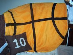 The Misadventures of Handmade: Basketball Blankie tutorial