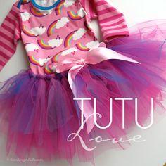 Hamburger Liebe: Tutorial Tuesday: Elternzeit-Blog-Vertretung für Julia und ein Tutu-DIY ohne Nähen! Diy Clothes Rack Cheap, Thrift Store Diy Clothes, Diy Clothes Refashion, Diy Tutu, Tulle Tutu, Trash To Couture, Parental Leave, Tutu Tutorial, Shirt Makeover