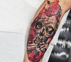 Skull and Rose tattoo by Felipe Rodrigues