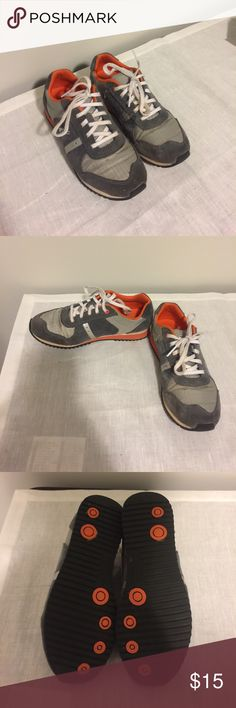 Clarks Kids Sneakers 2W GUC Gray and orange sneakers 2W Clarks Shoes Sneakers