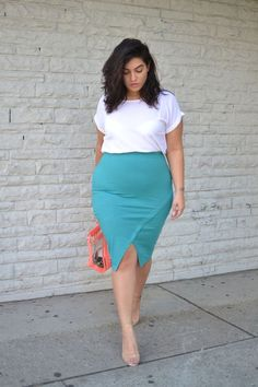 For every plus sized, short woman the upper thigh region is the most dreaded area, where the cellulite rapidly grows. Such women would want to keep their distance from short skirts and dresses and keep the region covered.