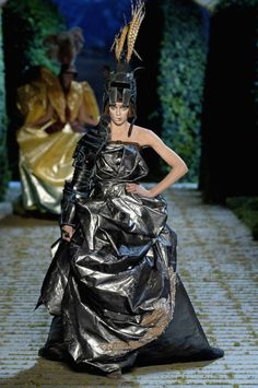 John Galliano for Christian Dior Fall Winter 2006 Haute Couture