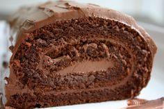 Rocambole de chocolate sem farinha (sem glúten) - Entre Panelas