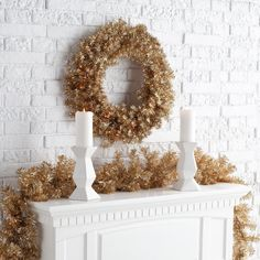 Finley Home Classic Champagne Gold Pre lit Wreath, 24 in. - http://www.christmasshack.com/christmas-wreaths/finley-home-classic-champagne-gold-pre-lit-wreath-24-in/