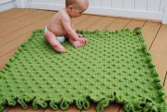 Free Crochet Pattern | Ruffles and Dots Baby Blanket