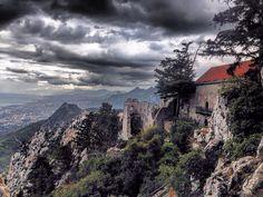 St. Hilarion Castle, North Cyprus/Zamek św. Hilariona, Północny Cypr
