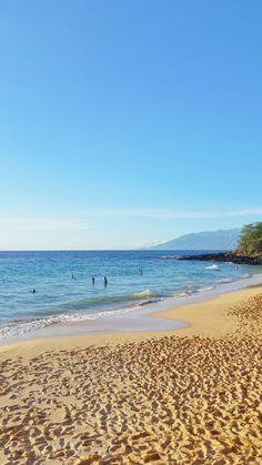 Where's the trail to a hidden hippie beach? Maui Travel, Hawaii Vacation, Maui Hawaii, Beach Trip, Vacation Ideas, Travel Tips, Beach Travel, Travel Destinations, Red Sand Beach