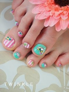 Pink & Seafoam green nail art pedicure.    ☆ Jewely Heart ×ストライプ(フットジェル)☆