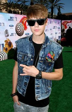 Justin Bieber with Horn Sign