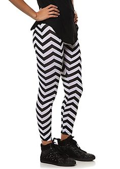 rue21 : Leggings $12.99 want these so bad!