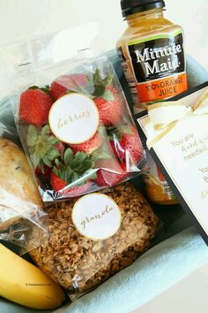 Looking for a fun and creative Gift Basket Idea to give to friends and family? This Breakfast in Bed Gift Basket is perfect! Breakfast Basket, Breakfast In Bed, Creative Gift Baskets, A Food, Food And Drink, Food Packaging, Packaging Ideas, Food Gifts, Breakfast Recipes