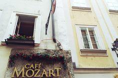 Wir waren mit dem Kinderwagen im traditionellen Café Mozart und haben den Charme…