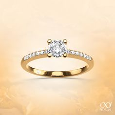 """Our """"Moderia"""" is a pavé ring in yellow gold. Loving diamonds and its beauty! #yorxs #pavee #moderia #gelbgold #diamanten"""