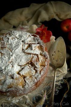 French Apple Cake - so easy and so good! No Bake Desserts, Just Desserts, Delicious Desserts, Dessert Recipes, Apple Recipes, Sweet Recipes, Cake Cookies, Cupcake Cakes, Cupcakes