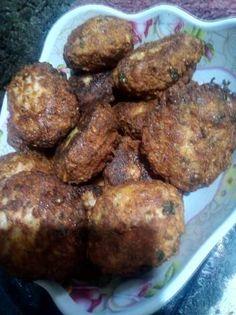 Chifteluțe cu ciuperci și carne Ethnic Recipes, Food, Essen, Meals, Yemek, Eten
