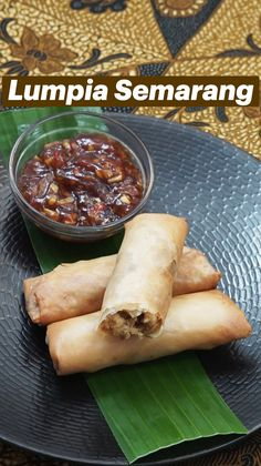 Lumpia, Indonesian Cuisine, Tasty, Yummy Food, Semarang, Spring Rolls, Asian Recipes, Food And Drink, Cooking Recipes
